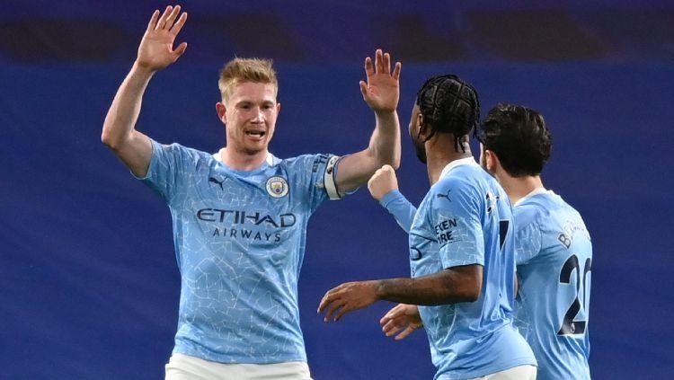 Para Pemain Manchester City Merayakan gol ke Gawang Chelsea Copyright: © twitter.com/mancity