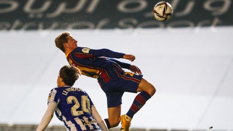 Pemain Barcelona saat menghadapi Real Sociedad di Piala Super Spanyol Copyright: © twitter.com/fcbarcelona
