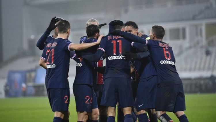 Para pemain PSG merayakan kemenangannya atas Marseille Copyright: © Twitter @PSG_English