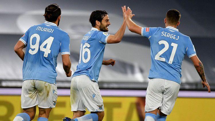 Berikut hasil babak 16 besar Coppa Italia antara Lazio vs Parma. Gol di menit-menit akhir pertandingan bawa Si Elang menang dan lolos ke babak 8 besar. Copyright: © Twitter @OfficialSSLazio