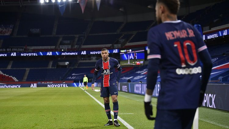 Berikut hasil pertandingan Ligue 1 Prancis antara Paris Saint-Germain (PSG) vs Montpellier. Diwarnai kartu merah kiper lawan, PSG pun pesta gol. Copyright: © Twitter @PSG_English