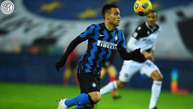 Berikut hasil pertandingan Serie A Italia Inter Milan vs Udinese, Minggu (24/01/21). Diwarnai kartu merah Antonio Conte, kedua tim main imbang 0-0. Copyright: © Twitter @Inter_en