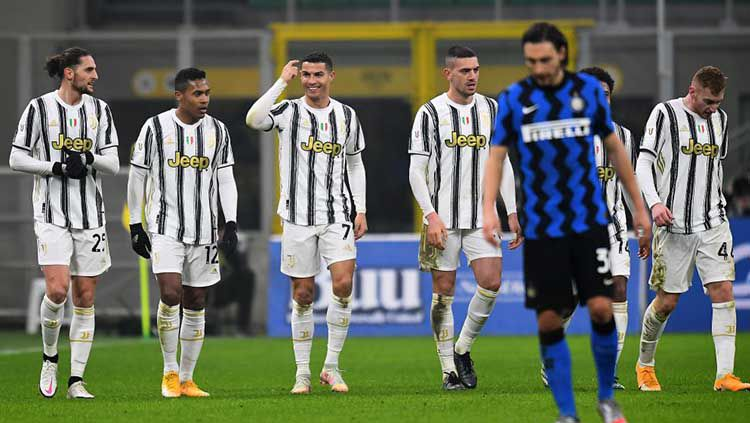 Juventus kabarnya bakal tumbalkan Cristiano Ronaldo demi gaet eks kapten rival Serie A Liga Italia, Inter Milan, yaitu Mauro Icardi. Copyright: © Alessandro Sabattini/Getty Images