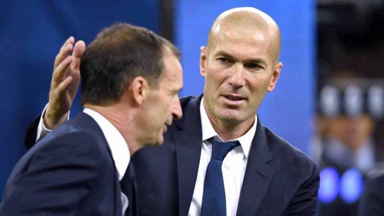 Massimiliano Allegri (kiri) menjadi salah satu kandidat terkuat untuk menggantikan Zinedine Zidane (kanan) sebagai pelatih Real Madrid musim depan. Copyright: © Etsuo Hara/Getty Images