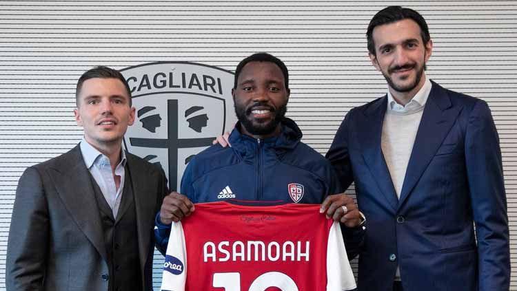 Cagliari resmi mendapatkan eks bintang Juventus yang juga merupakan pemain buangan Inter Milan secara gratis usai ditutupnya bursa transfer musim dingin. Copyright: © twitter.com/Asabob20