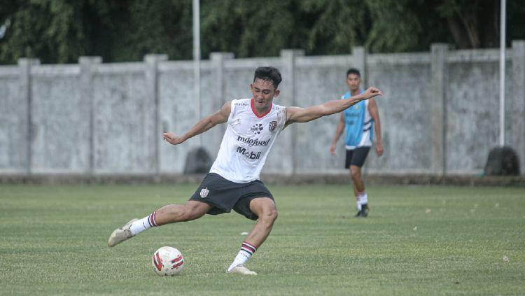 Wonderkid Bali United, Komang Tri Arta Wiguna. Copyright: © Bali United