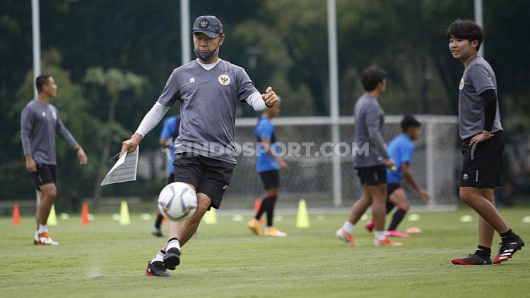 Pelatih Timnas Indonesia, Shin Tae-yong. Copyright: © Herry Ibrahim/INDOSPORT
