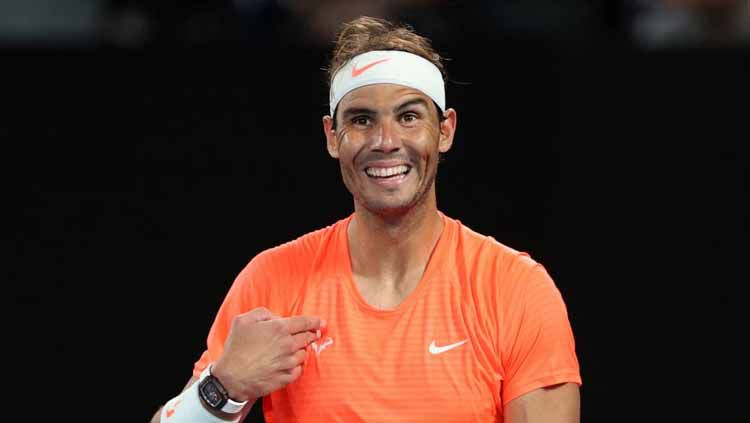Rafael Nadal Merespons dengan Tersenyum. Copyright: © Getty Images