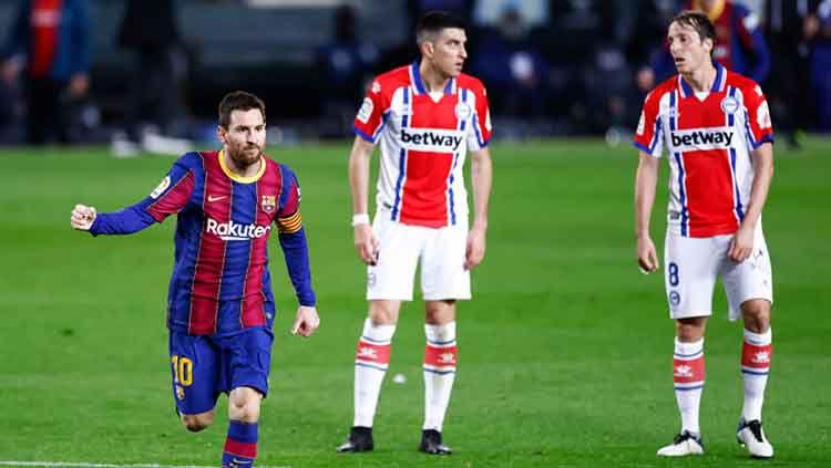Selebrasi gol Lionel Messi di laga Barcelona vs Alaves. Copyright: © Eric Alonso/Getty Images
