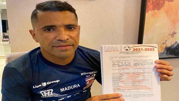 Beto Goncalves resmi kembali memperkuat Madura United dengan perpanjangan kontrak untuk musim 2021. Copyright: © Media Officer Madura United.