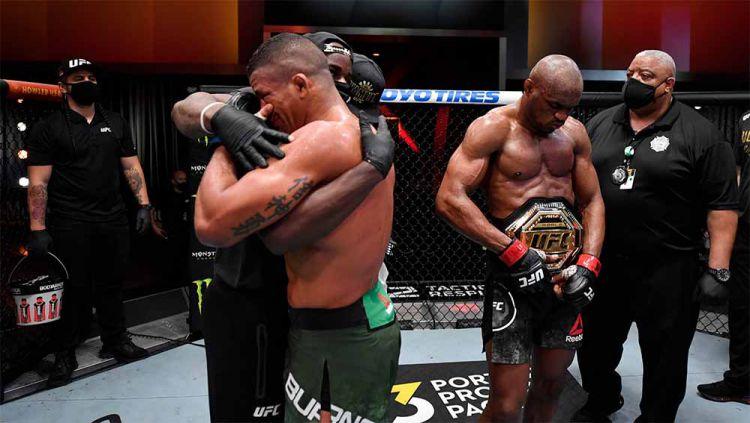 Kemenangan Kamaru Usman atas Gilbert Burns di UFC 258. Copyright: © Twitter@UFCEurope