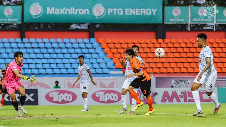 Pertandingan PT Prachuap di Liga Thailand Copyright: © facebook.com/PrachuapFc2011/