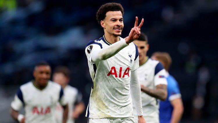 Bintang Tottenham Hotspur, Dele Alli, mencetak gol dalam pertandingan Liga Europa kontra Wolfsberger, Rabu (24/2/21). Copyright: © Europa League