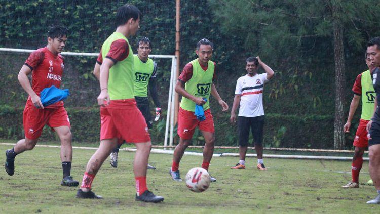 Madura United memulai program TC di Kota Batu sebagai persiapan pramusim. Copyright: © MO Madura United
