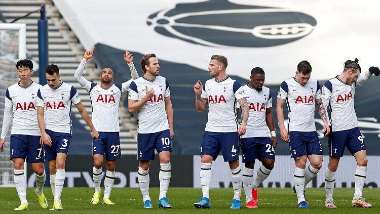 Tottenham Hotspur berhasil meraih kemenangan telak atas Burnley dengan brace yang Gareth Bale cetak dalam laga lanjutan Liga Inggris pekan ke-26. Copyright: © Tottenham