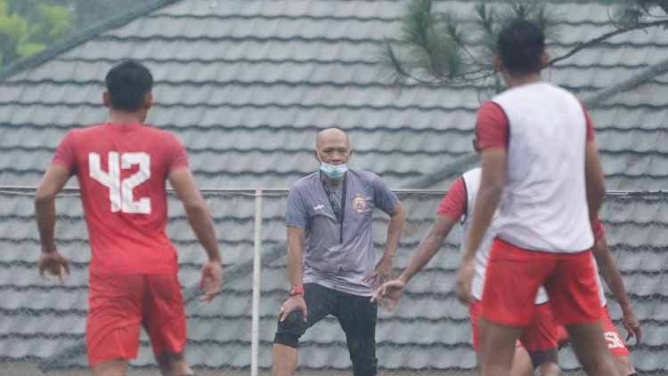 Latihan perdana Persija Jakarta di Sawangan, Senin (01/03/21). Copyright: © Khairul Imam/Persija