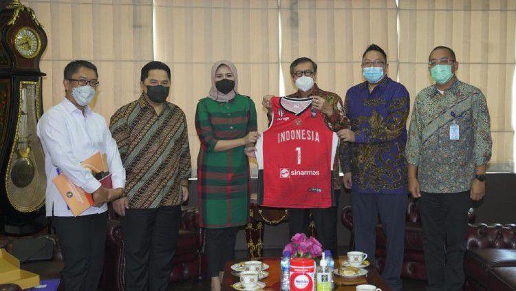 PP Perbasi sedang menyusun kekuatan Timnas Basket Indonesia yang akan turun di FIBA Asia Cup 2021 dan FIBA World Cup 2023. Copyright: © PP Perbasi