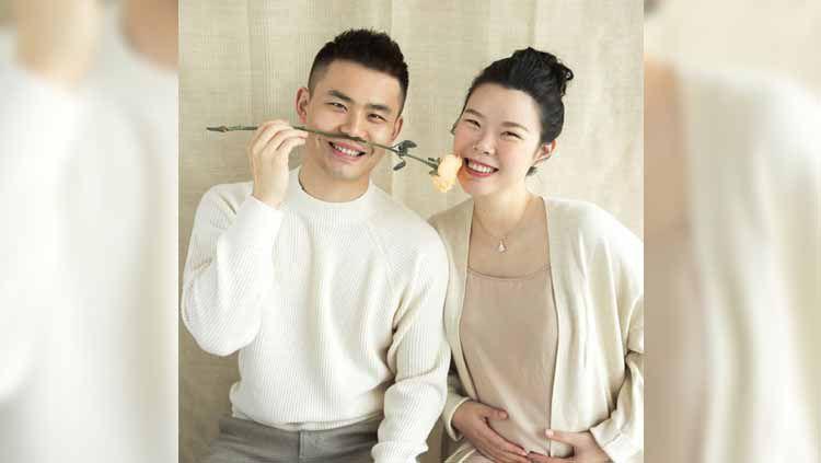 Lama tidak terdengar kabarnya, peraih medali emas Olimpiade London 2012 asal China yakni Li Xuerui muncul dengan sebuah kabar bahagia. Copyright: © aiyuke.com