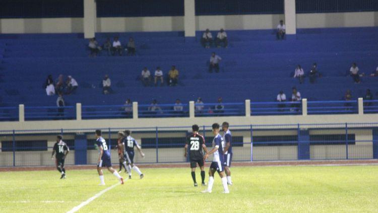 Tim PON Papua kontra tim Ifan Sport, Rabu (10/3/21) malam. Copyright: © Sudjarwo/INDOSPORT