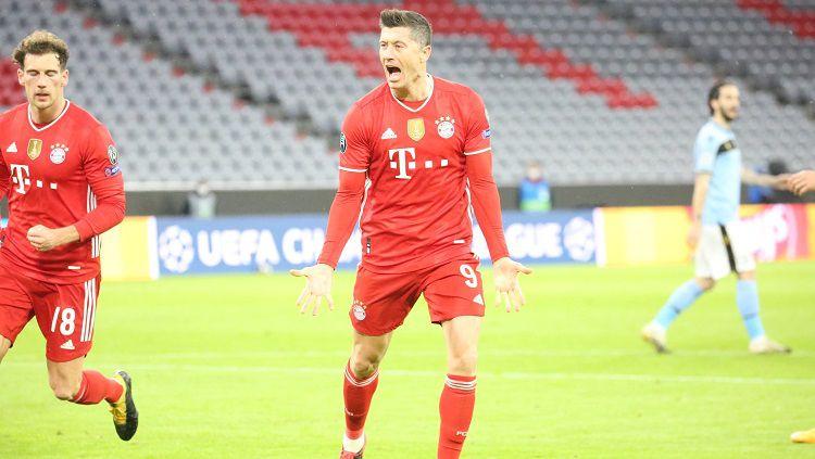 Selebrasi Robert Lewandowski di laga Bayern Munchen vs Lazio di Liga Champions Copyright: © Twitter @FCBayernEN