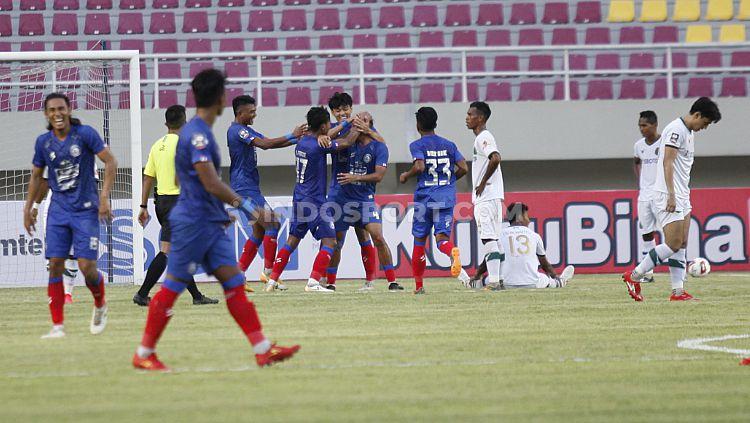 Situasi laga Arema FC vs Persikabo. Copyright: © Herry Ibrahim/INDOSPORT