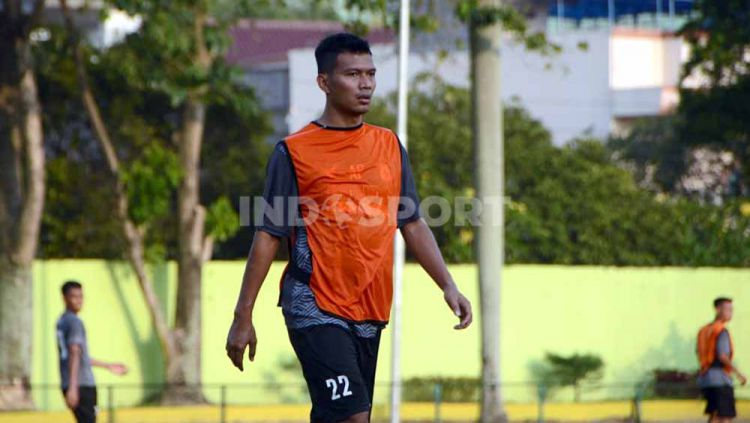Persita Tangerang secara resmi telah mengumumkan rekrutan baru yakni Agung Prasetyo. Copyright: © Aldi Aulia Anwar/INDOSPORT
