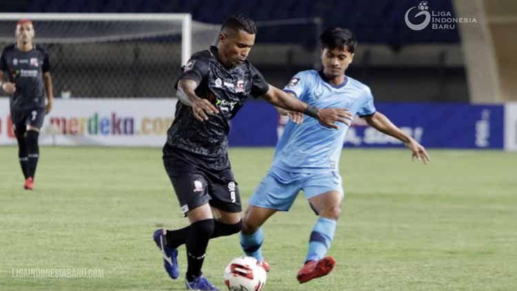 Striker Madura United, Beto Goncalves pada laga melawan Persela Lamongan di grup D Piala Menpora 2021. Copyright: © Liga Indonesia Baru