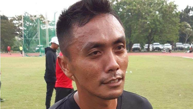 Penyerang anyar Sriwijaya FC, Dedi Hartono yang mulai bergabung latihan bersama pemain lain. Copyright: © Muhammad Effendi/INDOSPORT
