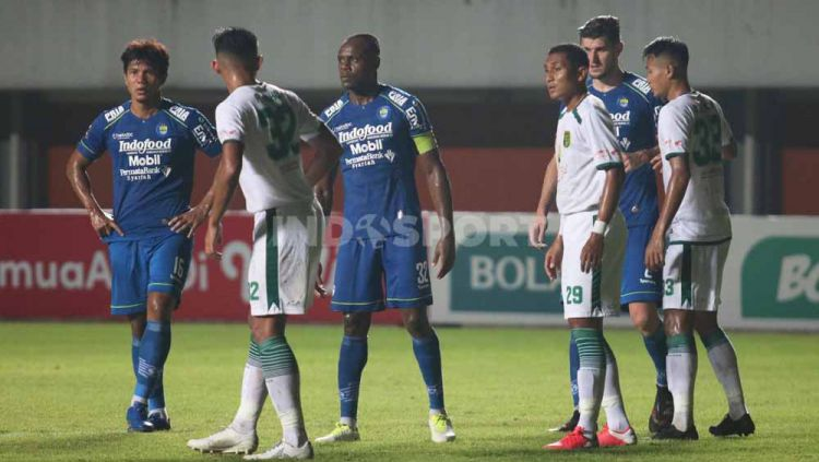 Pertandingan antara Persib Bandung vs Persebaya Surabaya di babak 8 besar Piala Menpora 2021. Copyright: © Nofik Lukman Hakim/INDOSPORT