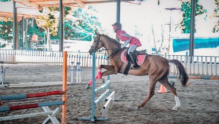 Ria Ricis alami insiden mengerikan saat olahraga berkuda Copyright: © instagram.com/ricis1795