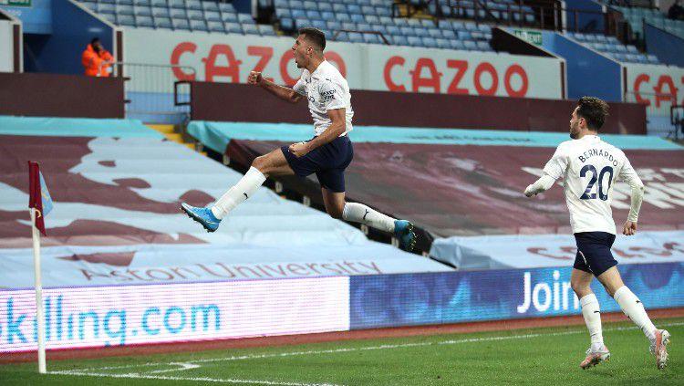 Selebrasi Rodri usai golnya membawa Man City unggul atas Aston Villa. Copyright: © twitter.com/premierleague