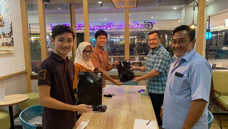 Sriwijaya FC sepakat dengan Tweve Apparel untuk penyedia jersey tim. Copyright: © INDOSPORT/Muhammad Effendi