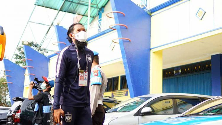 Bhayangkara FC resmi mendatangkan pemain belakang PSIS, Abanda Rahman. Copyright: © Media PSIS