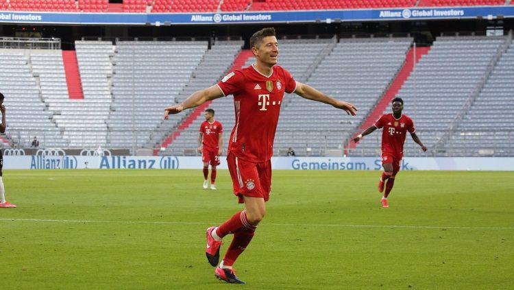 Berikut hasil dan jalannya pertandingan pekan ke-32 Bundesliga Jerman 2020/21 antara Bayern Munchen vs Borussia Monchengladback, Sabtu (08/05/21) pukul 23.30 WIB di Allianz Arena. Copyright: © Twitter @FCBayernEN