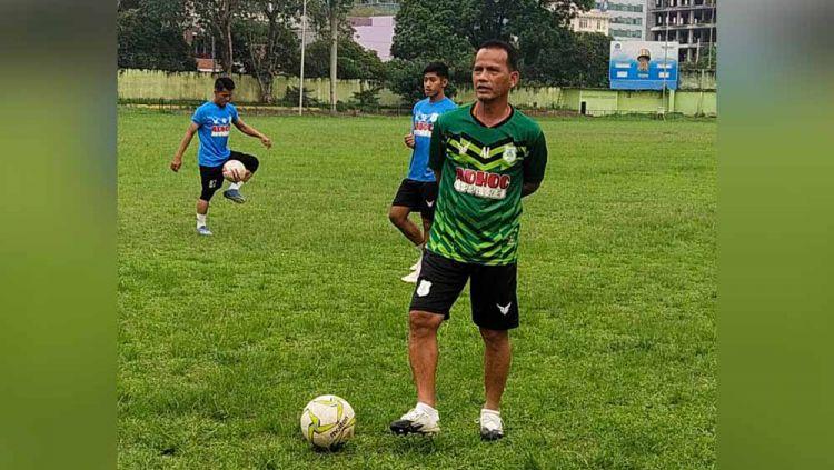 Pelatih PSMS Medan, Ansyari Lubis. Copyright: © Aldi Aulia Anwar/INDOSPORT