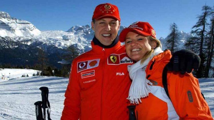 Michael Schumacher bersama sang istri, Corinna. Copyright: © f1.skor/afp