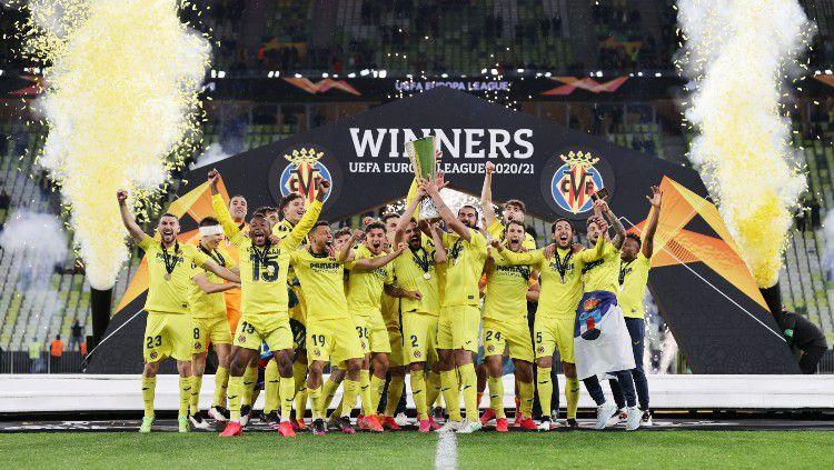 Villarreal mengalahkan Manchester United di final Liga Europa. Berikut ini 3 pemain tim Kapal Selam Kuning yang wajib dibajak MU di bursa transfer musim panas. Copyright: © twitter.com/EuropaLeague