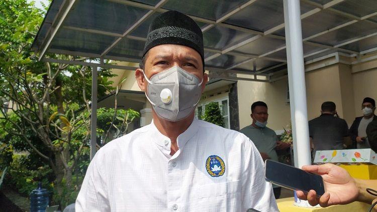 Sekretaris Jenderal PSSI, Yunus Nusi, turut berbelasungkawa atas meninggalnya ibunda Mochamad Iriawan (Iwan Bule). Copyright: © Arif Rahman/INDOSPORT