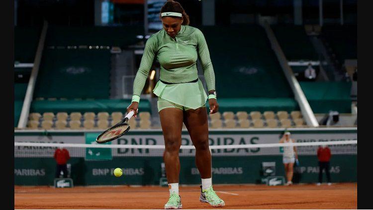 Serena Williams di French Open 2021. Copyright: © Reuters