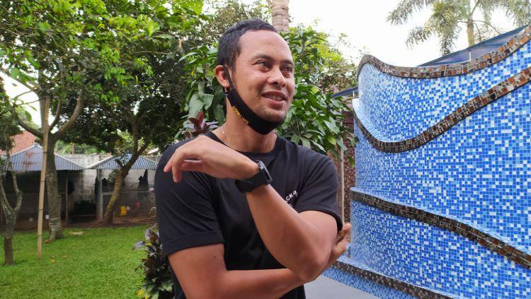 Mantan kapten Persib, Atep menceritakan pengalamannya bermain sinetron. Copyright: © Arif Rahman/INDOSPORT