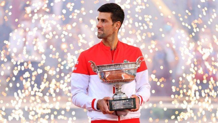 """Petenis nomor satu dunia Novac Djokovic kembali mengunjungi Taman Arkeologi """"Piramida Matahari Bosnia"""" di Visoko setelah kekecewaannya di US Open 2021. Copyright: © Clive Brunskill/Getty Images"""