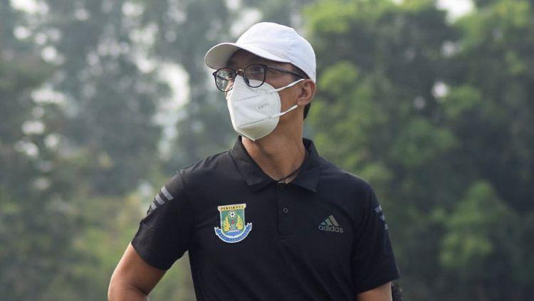 Pelatih Persikota, Sahala Saragih. Copyright: © Persikota