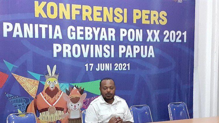 Ketua Panitia Gebyar PON XX, Otniel Deda. Copyright: © Sudjarwo/INDOSPORT