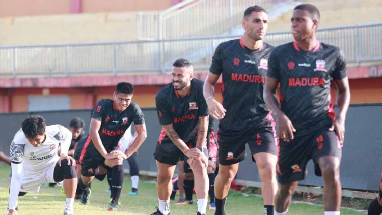 Latihan Madura United. Copyright: © MO Madura United