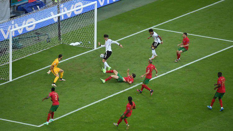 Proses gol ketiga Jerman ke gawang Portugal yang dicetak oleh Kai Havertz Copyright: © Matthias Hangst/Getty Images