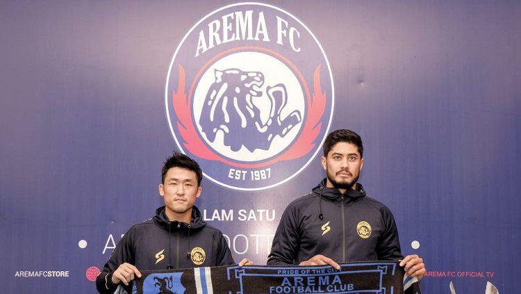 Arema FC telah menghadirkan dua pemain asing baru di Malang, untuk proyeksi tim pada kompetisi Liga 1 musim 2021/2022 mendatang. Copyright: © MO Arema
