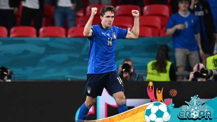 Federico Chiesa saat membela Timnas Italia di Euro 2020. Copyright: © Andy Rain - Pool/Getty Images