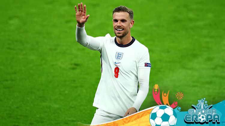 Jordan Henderson terlibat keributan dengan Gianluigi Donnarumma di final Euro 2020 antara Italia vs Inggris akibat ulah sang kiper kepada Raheem Sterling. Copyright: © Chris Brunskill/Fantasista/Getty Images