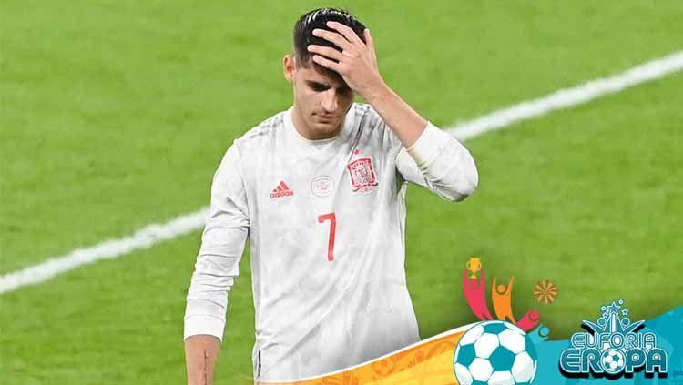 Alvaro Morata gagal menjebol gawang Italia di adu penalti pada semifinal Euro 2020. Rupanya, saat itu penyerang andalan Spanyol itu tengah mengalami cedera. Copyright: © Facundo Arrizabalaga - Pool/Getty Images