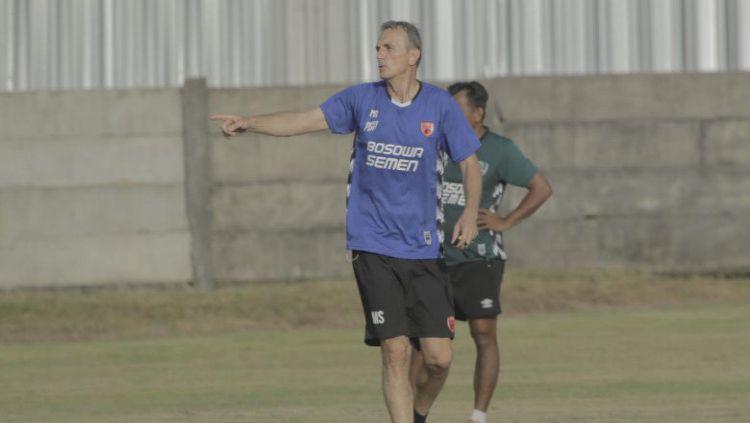 Pelatih tim Liga 1 PSM Makassar, Milomir Seslija, ingin memakai dua slot legiun asing yang tersisa untuk posisi bek tengah dan gelandang. Copyright: © Media PSM Makassar